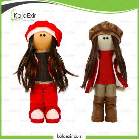 عروسک روسی با لباس قرمز